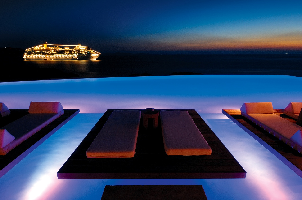 Pictures of cavo tagoo hotel mykonos greece for Fotos de piscinas infinity