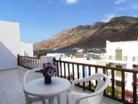 Kiki hotel kamares sifnos greece for Balcony thesaurus